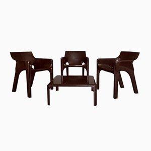 Set di 3 sedie Gaudì e un tavolino da caffè Demetrio 70 di Vico Magistretti per Artemide, 1974