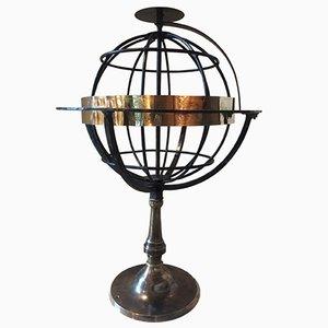 Esfera armilar antigua de hierro forjado y latón