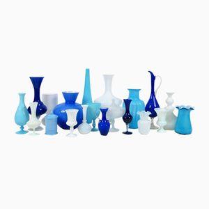 Juego de vasos vintage de vidrio azul y blanco. Juego de 20