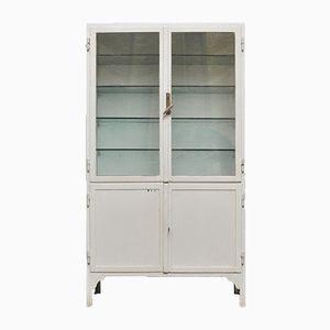 Mueble industrial vintage de vidrio y acero, años 40