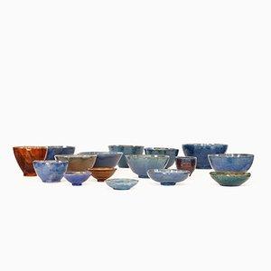 Cuencos de cerámica hechos a mano, años 70. Juego de 16