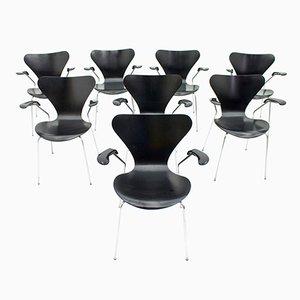 Schwarze 3207 Armlehnstühle von Arne Jacobsen für Fritz Hansen, 1976, 8er Set