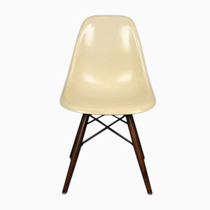 Vintage White DSW Chair by Charles & Ray Eames for Herman Miller