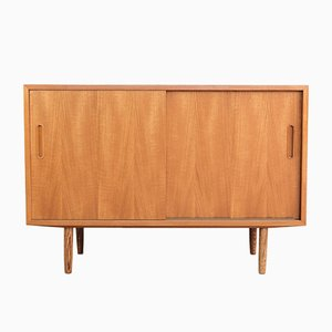 Small Mid-Century Sideboard in Teak from Hundevad & Co.