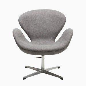 Mid-Century Swan Chair by Arne Jacobsen for Fritz Hansen