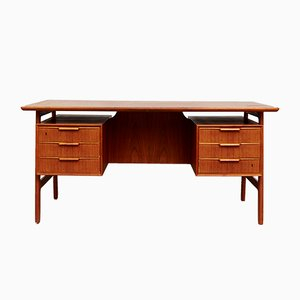Vintage Model 75 Freestanding Teak Desk from Omann Jun