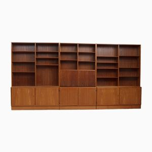 Large Shelving Unit from Hundevad & Co., 1960s