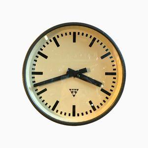 Dunkelgraue industrielle Uhr von Pragotron, 1960er