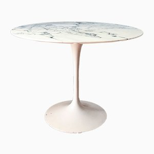 White Marble Tulip Table by Eero Saarinen for Knoll International, 1970s