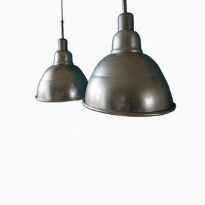 Französische Industrielle Hängelampen, 1950er, 2er Set