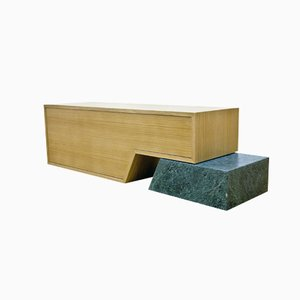 Mueble con mármol verde de Maria Vidali
