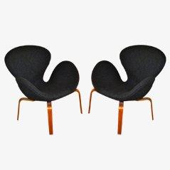 Svanen Chairs by Arne Jacobsen for Fritz Hansen, Set of 2