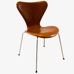 3107 Syveren Classic Dining Chair in Brown by Arne Jacobsen for Fritz Hansen