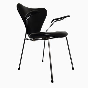 Modell 3207 Series 7 Armlehnstuhl aus Kunstleder von Arne Jacobsen für Fritz Hansen, 1967
