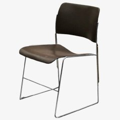 Chaise Empilables par David Rowland