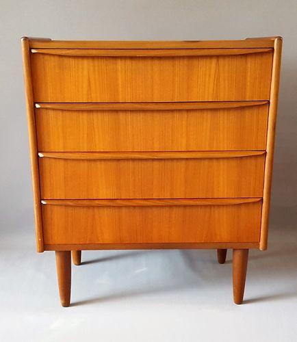 d nische vintage kommode mit vier schubladen bei pamono kaufen. Black Bedroom Furniture Sets. Home Design Ideas