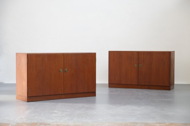 d nische vintage schr nke von borge mogensen 2er set bei pamono kaufen. Black Bedroom Furniture Sets. Home Design Ideas