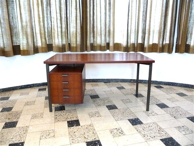 deutscher vintage teak schreibtisch von herbert hirche f r. Black Bedroom Furniture Sets. Home Design Ideas
