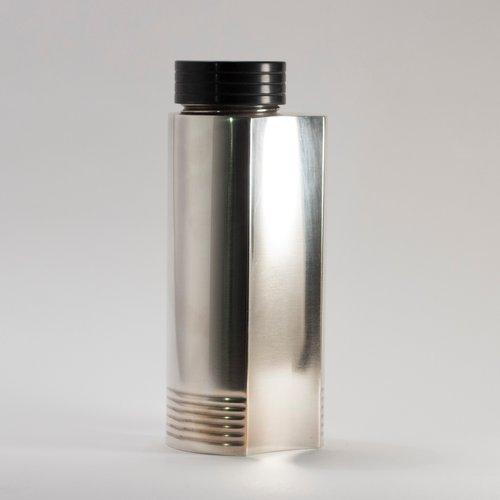 versilberter cocktail shaker von folke arstr m f r gab 1930er bei pamono kaufen. Black Bedroom Furniture Sets. Home Design Ideas