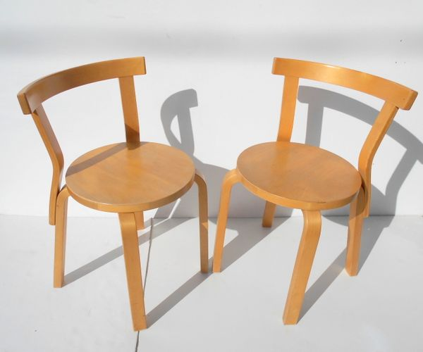 Model 68 dining chairs stools by alvar aalto for artek for Alvar aalto chaise longue