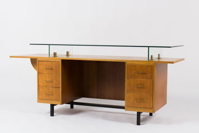 french oak and glass desk 1950s for sale at pamono. Black Bedroom Furniture Sets. Home Design Ideas