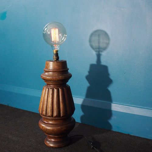 lampe de bureau vintage avec pied table de billard en. Black Bedroom Furniture Sets. Home Design Ideas