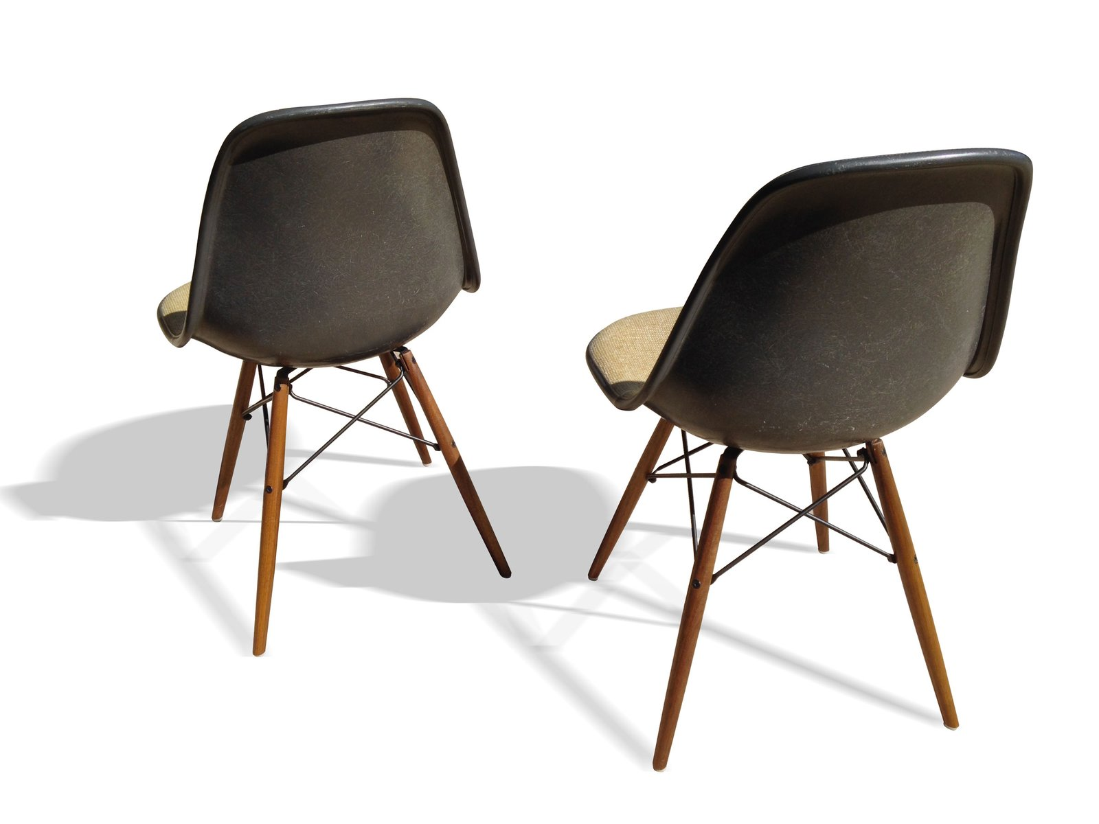 elephant grey dsw chairs by charles and ray eames for. Black Bedroom Furniture Sets. Home Design Ideas