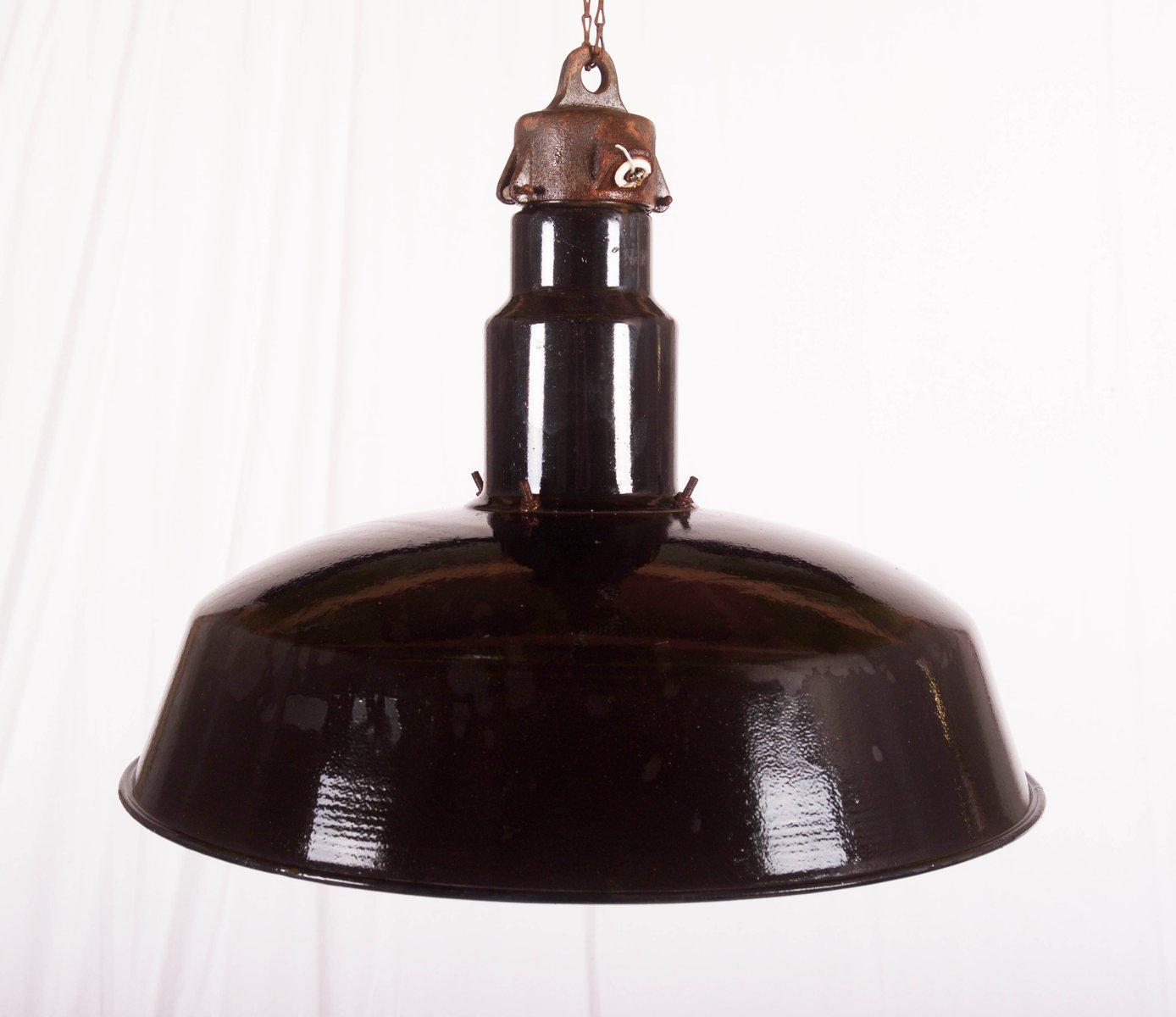 gro e emaillierte tschechische industrie deckenlampe 1960er bei pamono kaufen. Black Bedroom Furniture Sets. Home Design Ideas