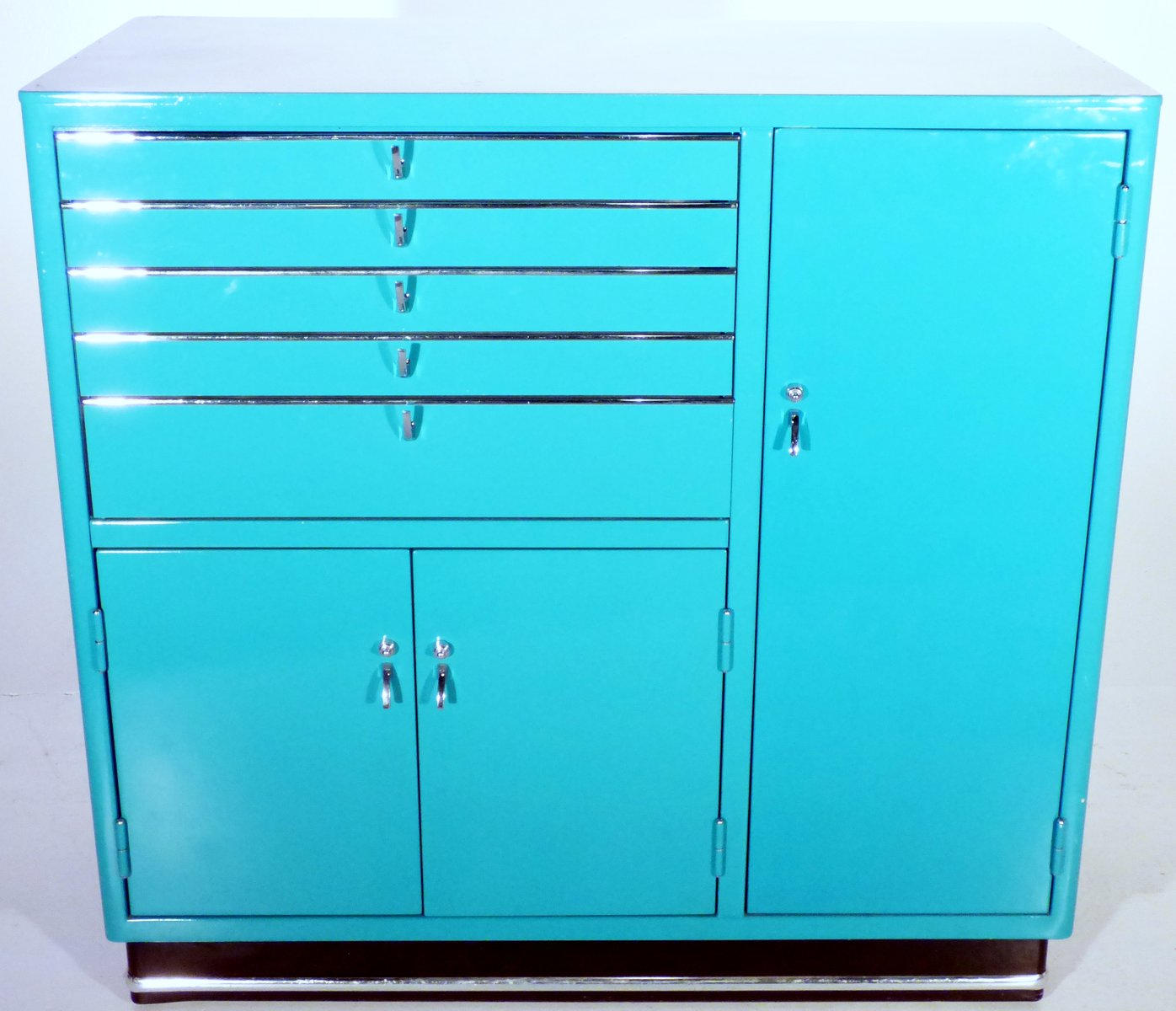 armoire pharmacie vintage turquoise par karl baisch en vente sur pamono. Black Bedroom Furniture Sets. Home Design Ideas