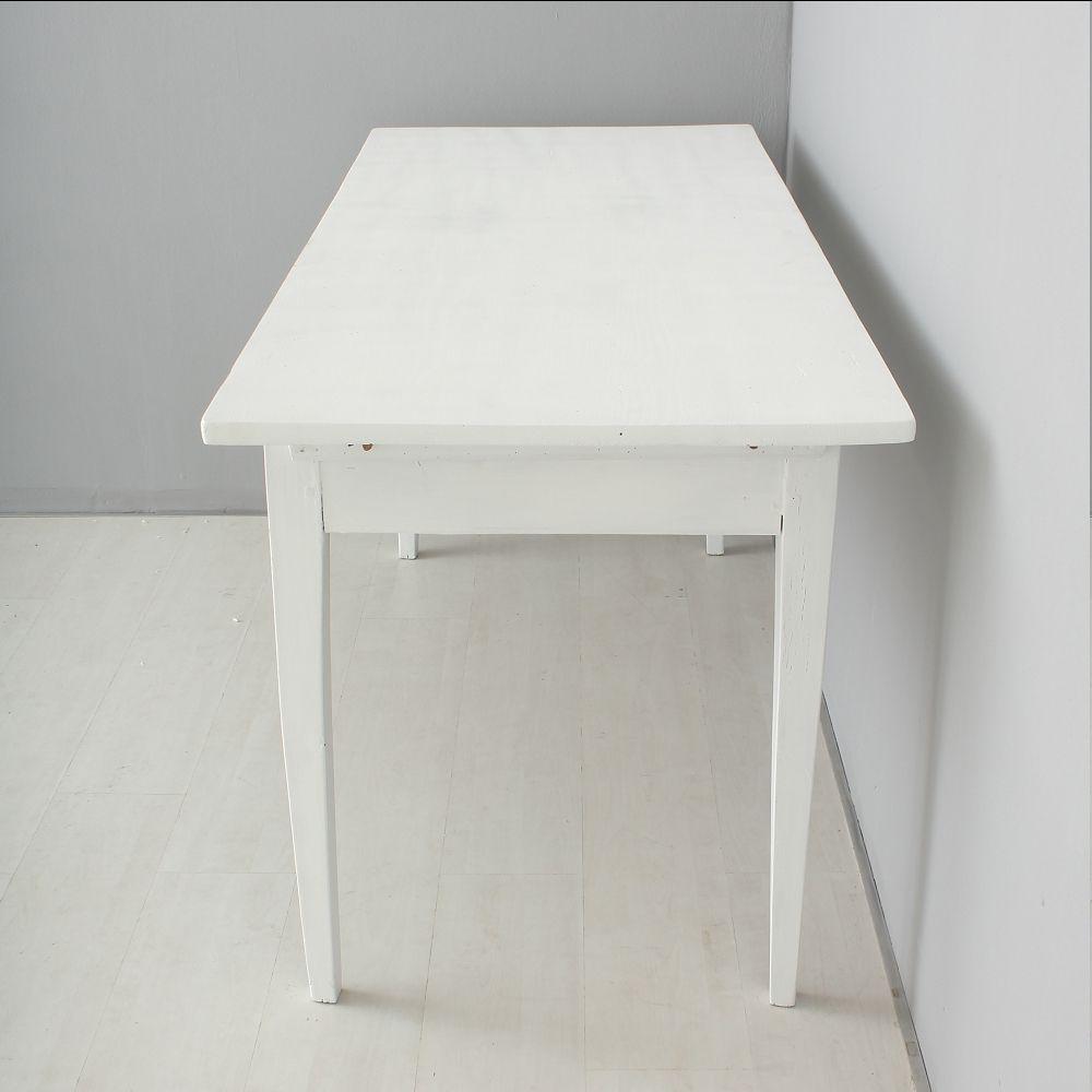 antiker wei er esstisch bei pamono kaufen. Black Bedroom Furniture Sets. Home Design Ideas
