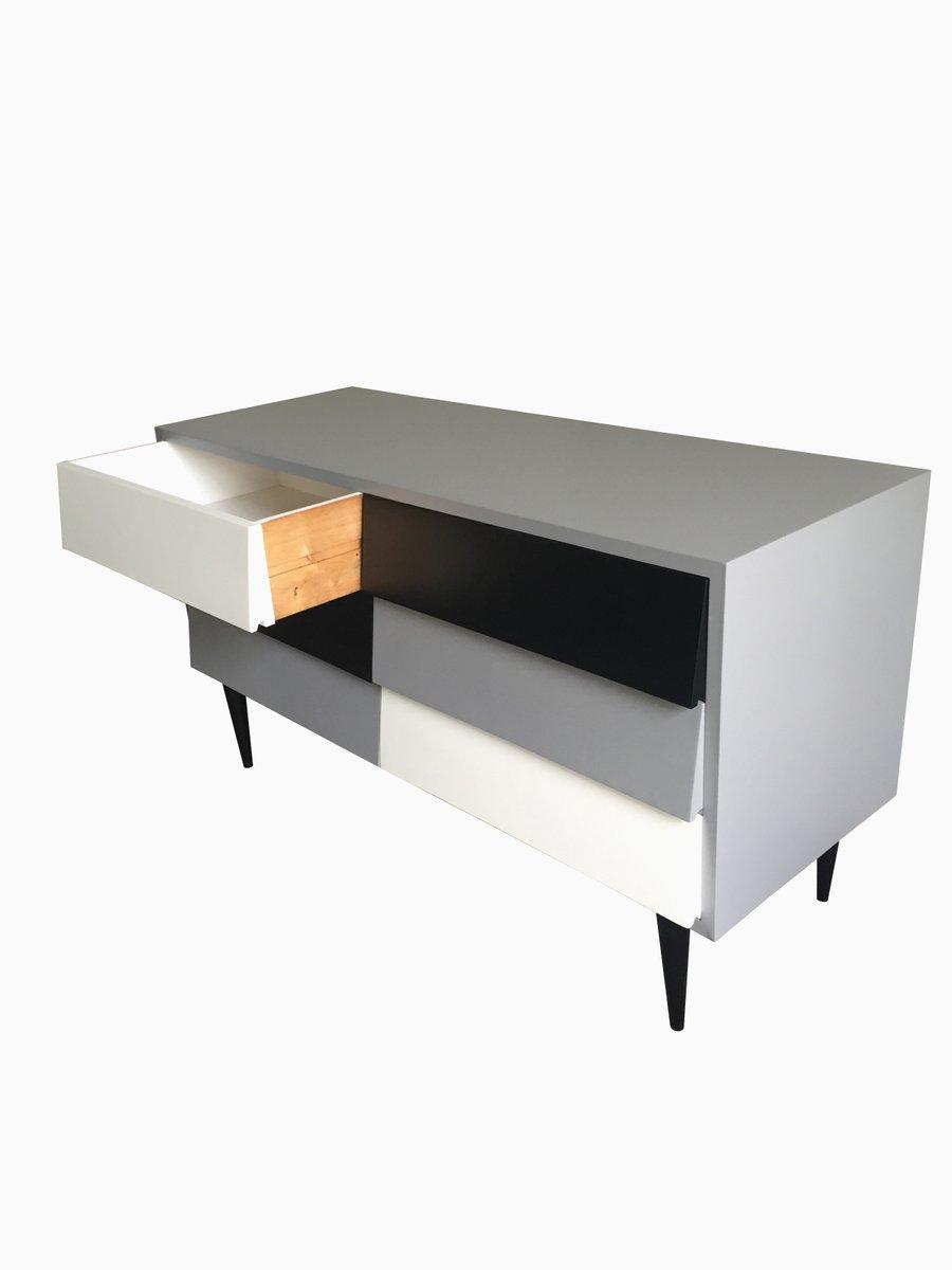 kommode in schwarz grau wei 1950er bei pamono kaufen. Black Bedroom Furniture Sets. Home Design Ideas