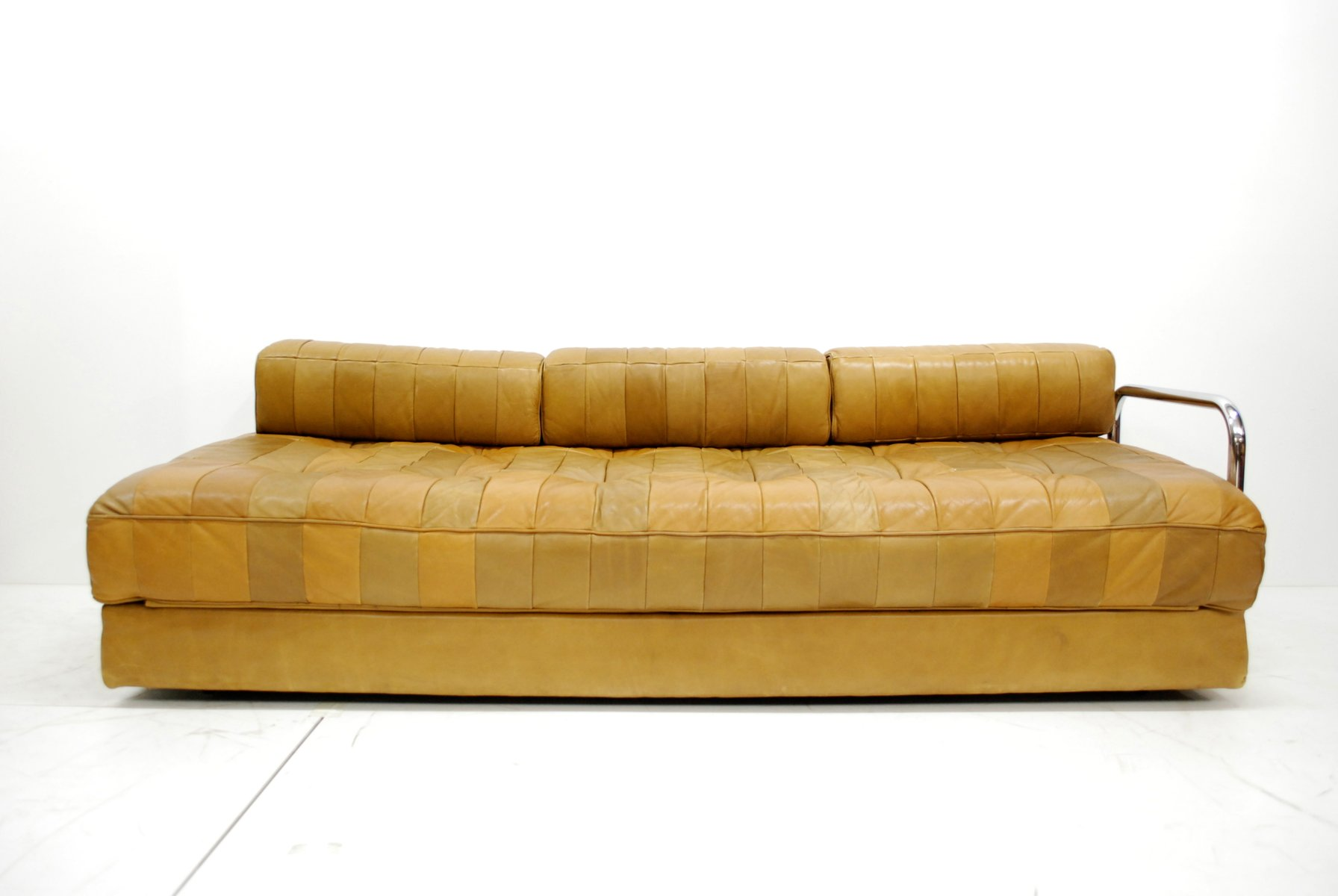 Vintage caramel ds 80 leather daybed from de sede for sale for Schlafsofa patchwork