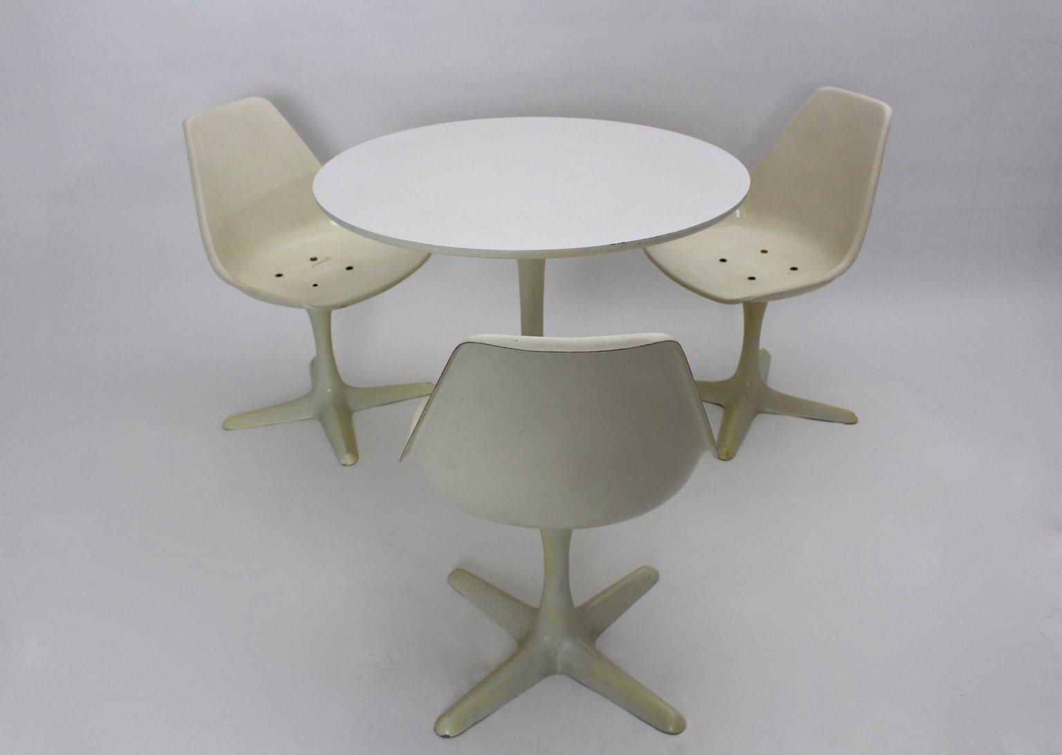 Set da pranzo tavolo con sedie di maurice burke per arkana for Tavolo da pranzo con sedie