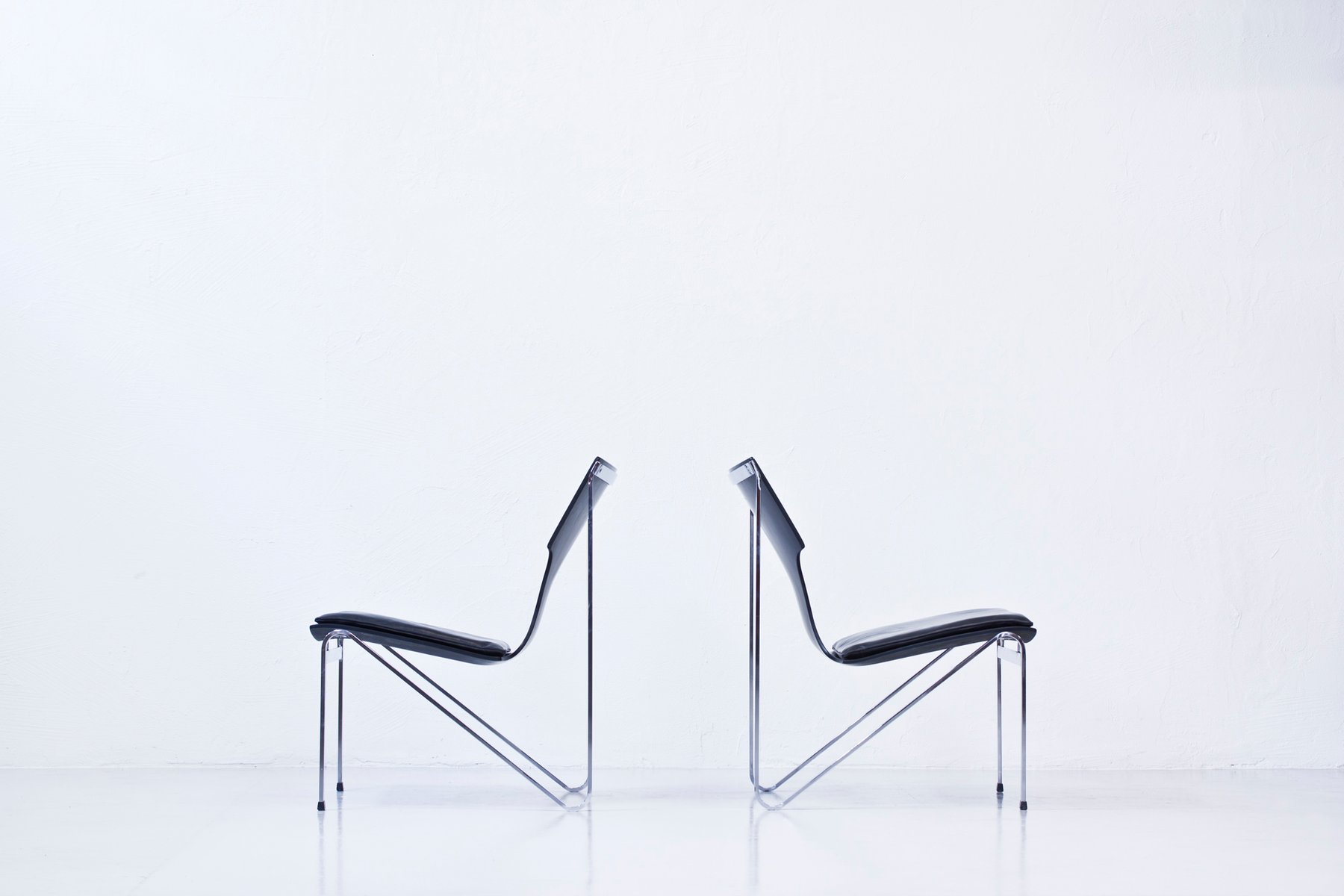 schwedische chrom holz leder easy chairs von sigurd persson f r ry st lm bler 1968 2er set. Black Bedroom Furniture Sets. Home Design Ideas