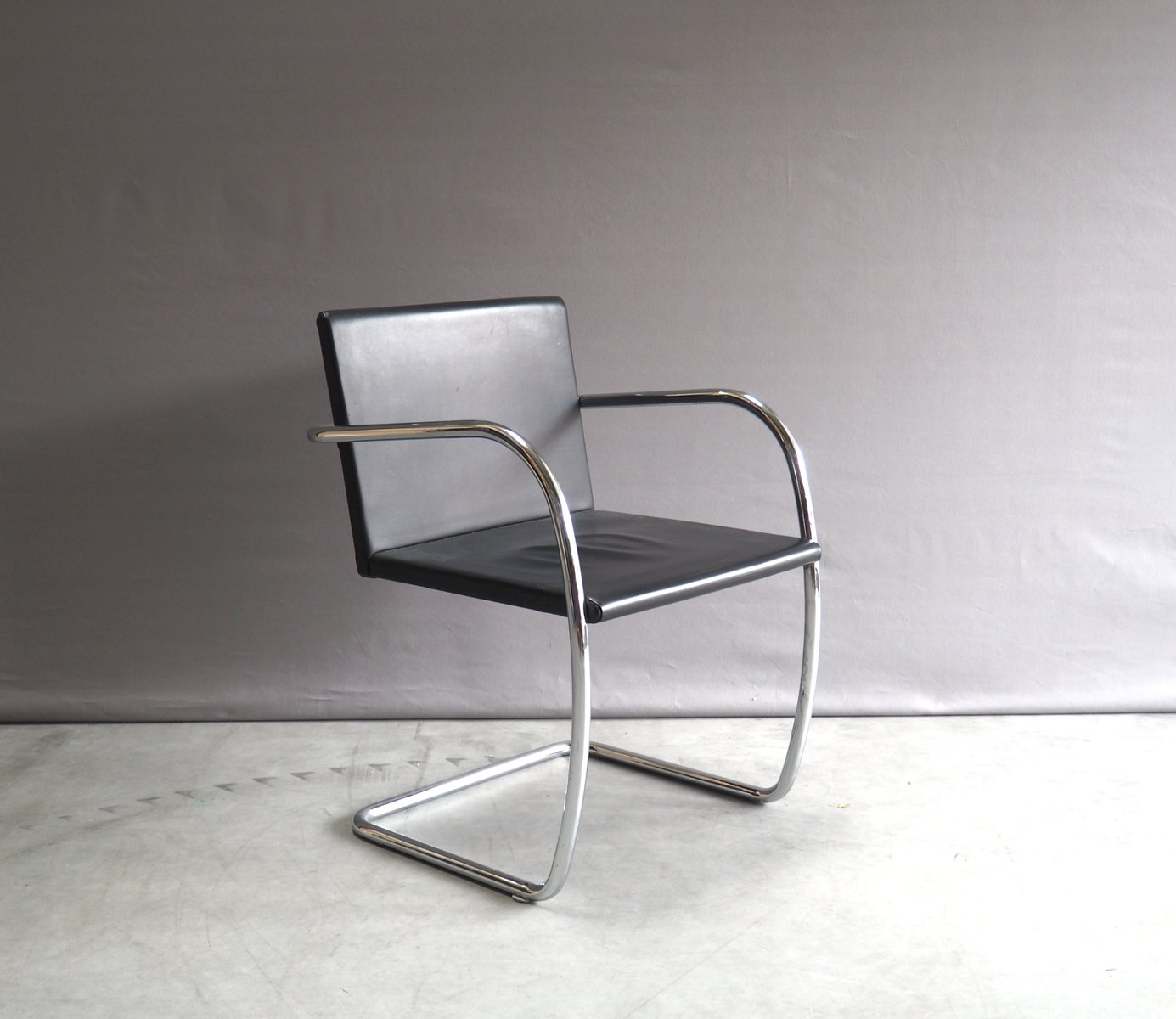 chrome and leather brno chair by mies van der rohe for knoll 1930s for sale at pamono. Black Bedroom Furniture Sets. Home Design Ideas
