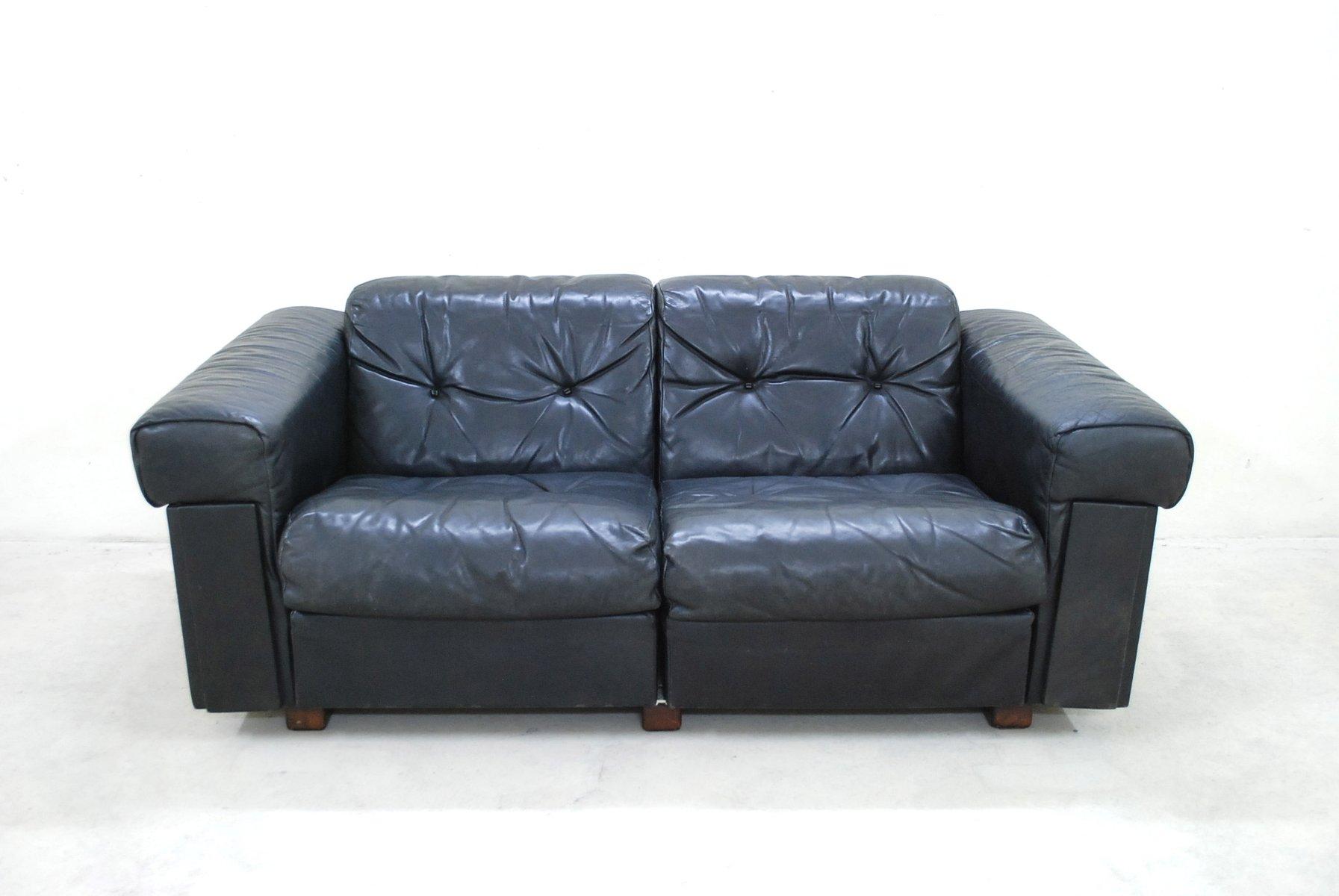 schwarzes zwei sitzer ledersofa von de sede 1970 bei. Black Bedroom Furniture Sets. Home Design Ideas
