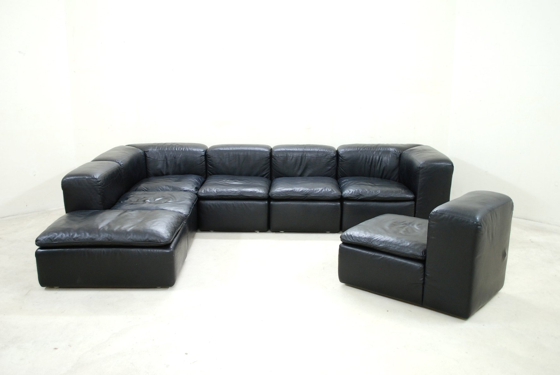 modular black cube design wk 550 leather sofa by ernst martin dettinger for wk m bel for sale at. Black Bedroom Furniture Sets. Home Design Ideas