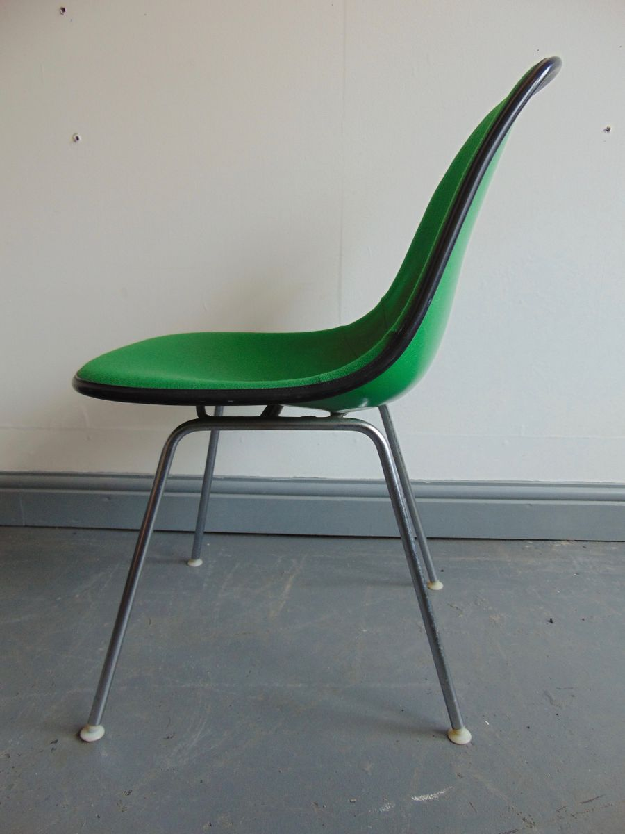 gr ner vintage stuhl von charles und ray eames f r herman miller bei pamono kaufen. Black Bedroom Furniture Sets. Home Design Ideas