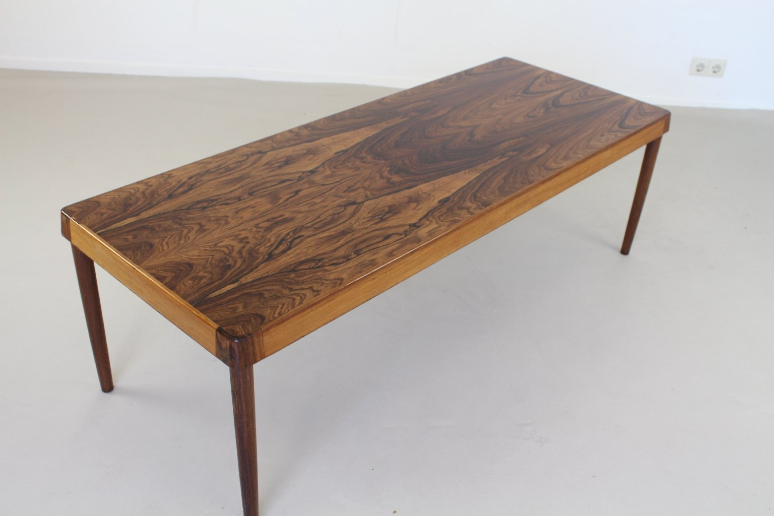 Scandinavian rosewood coffee table for sale at pamono for Scandinavian coffee table