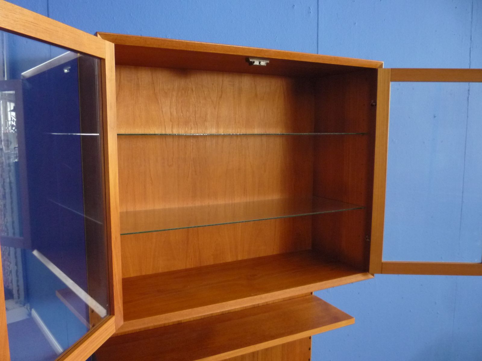 d nisches teak regal system mit glas von poul cadovius f r cado 1960er bei pamono kaufen. Black Bedroom Furniture Sets. Home Design Ideas