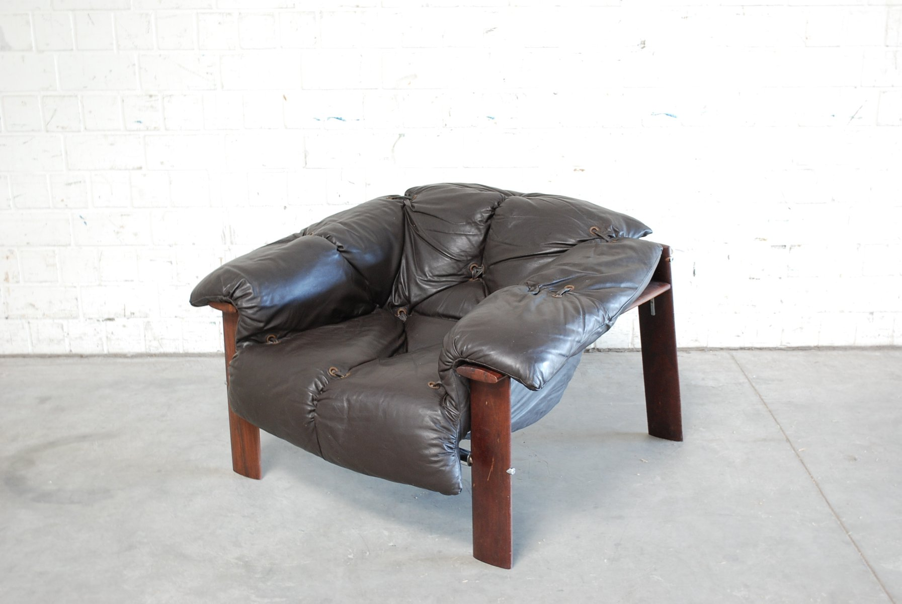 Brazilian Dark Brown MP 129 Leather Lounge Chair By Percival Lafer, 1976