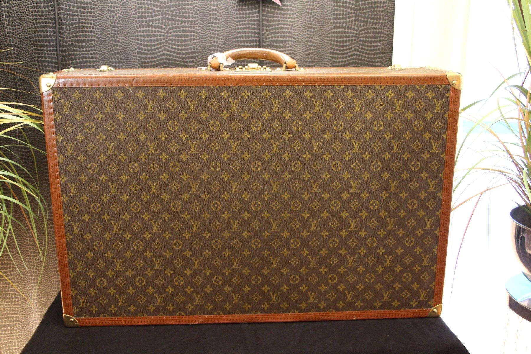 monogramm koffer von louis vuitton 1970er bei pamono kaufen. Black Bedroom Furniture Sets. Home Design Ideas