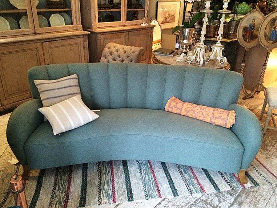 canap art d co dos courb en flanelle en vente sur pamono. Black Bedroom Furniture Sets. Home Design Ideas