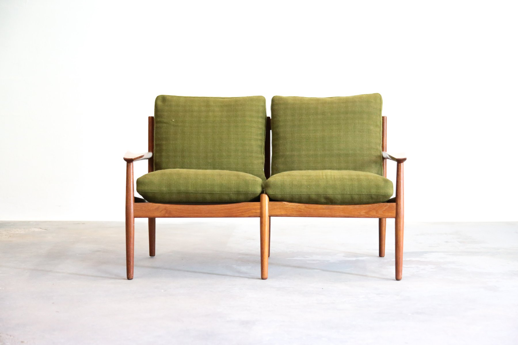 Small Danish 2-Seater Teak Bench by Arne Vodder for Glostrup ...