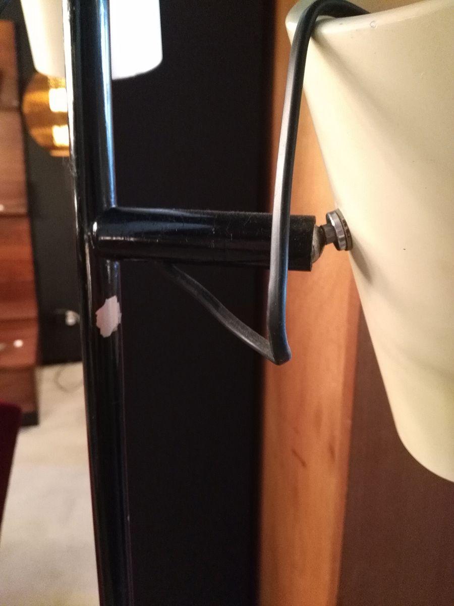 stehlampe mit drei wei en zylinderf rmigen leuchten 1950er bei pamono kaufen. Black Bedroom Furniture Sets. Home Design Ideas