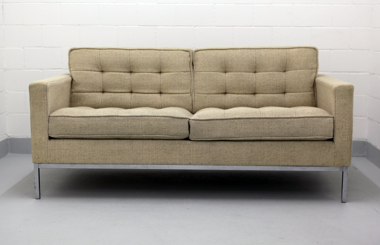 Elegant Two Seater Chrome And Wool Sofa By Florence Knoll For Knoll, 1970s