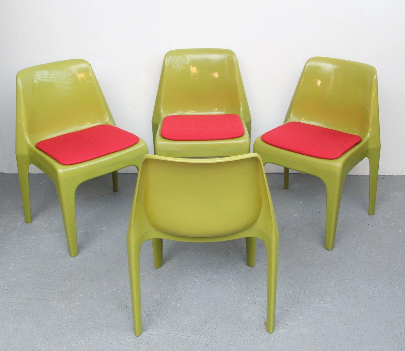 deutsche kunststoff st hle in rot gr n 1970er 4er set bei pamono kaufen. Black Bedroom Furniture Sets. Home Design Ideas