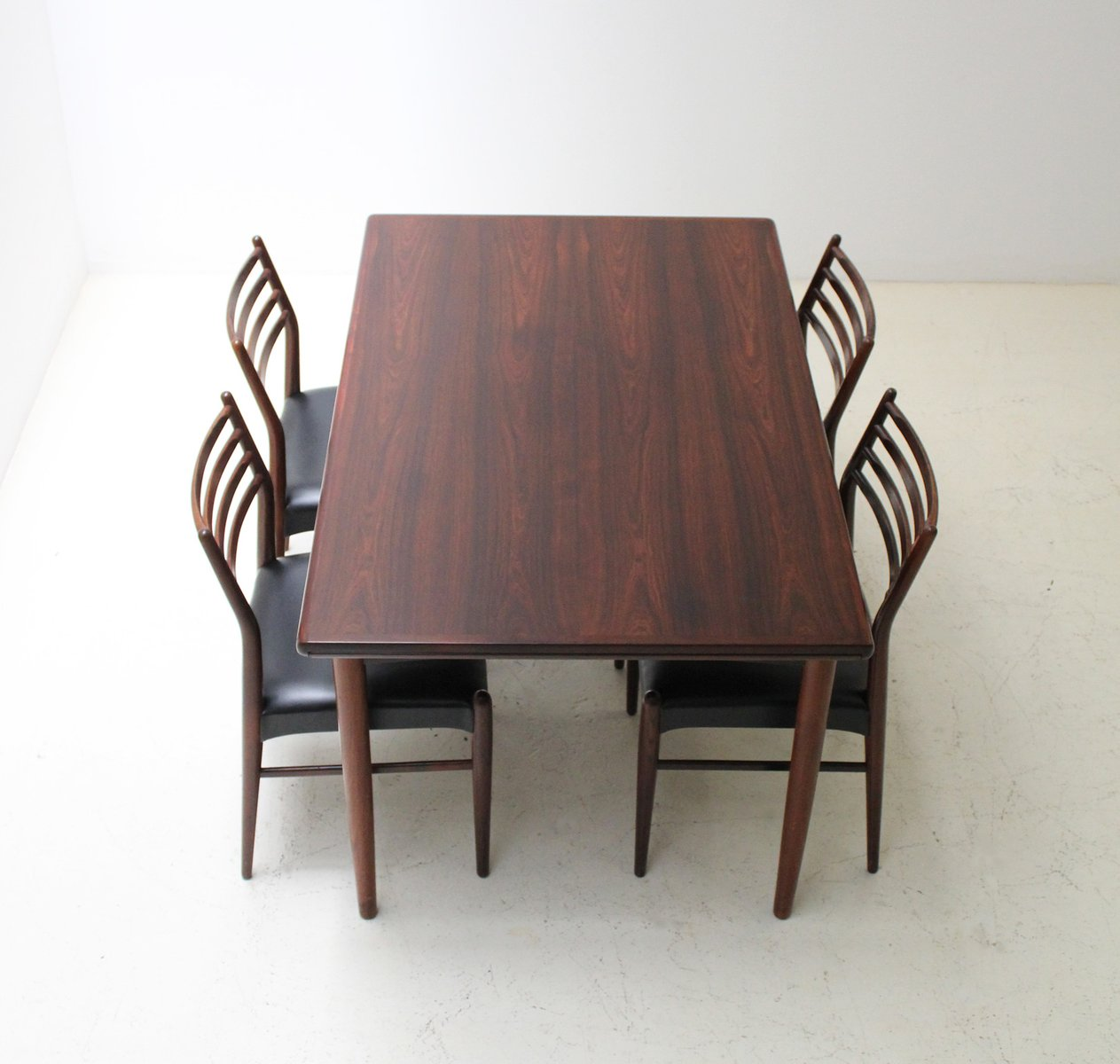 Mid Century Danish Extendable Rosewood Dining Table From Skovby 1960s
