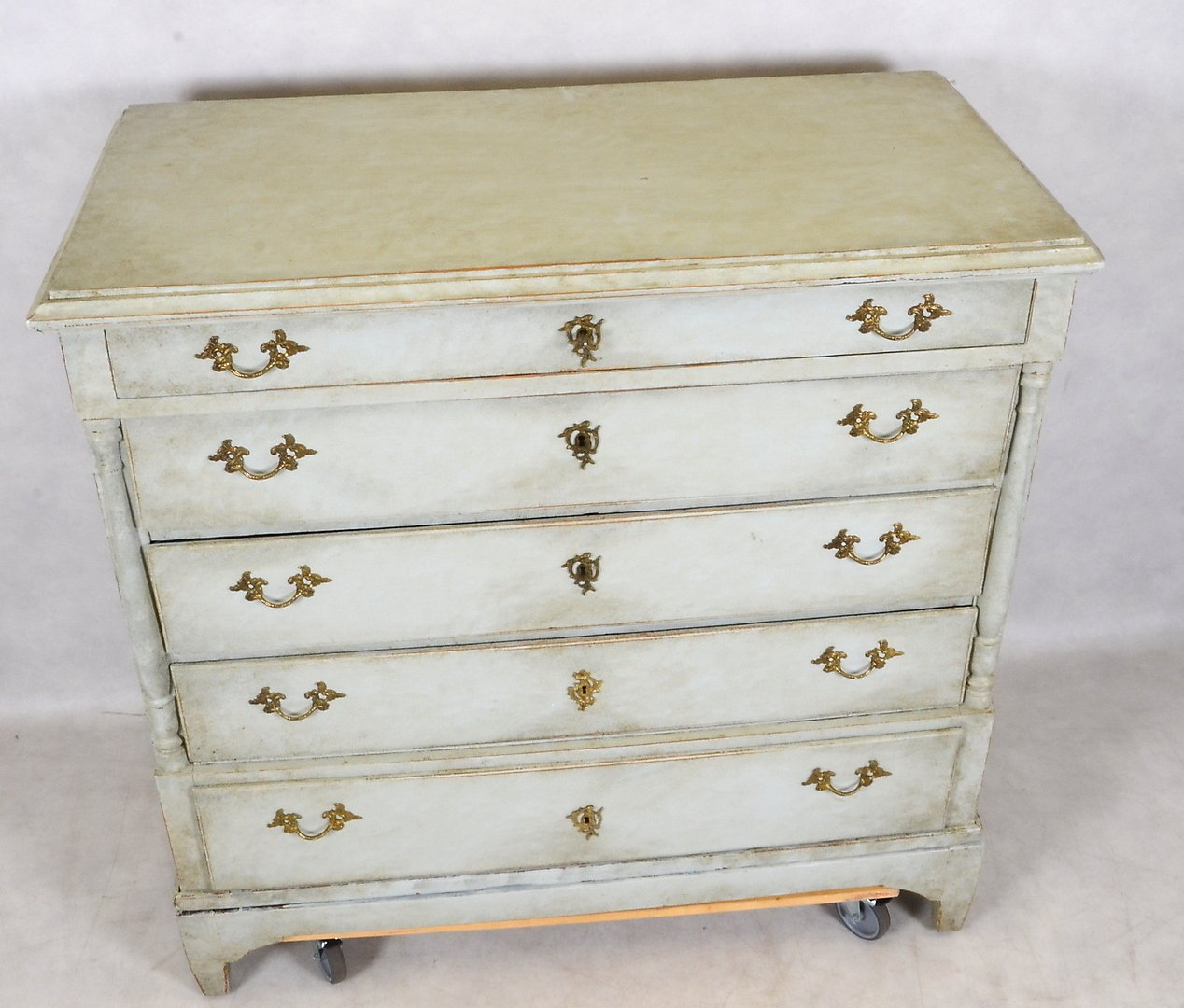 antique gustavian five drawer commode for sale at pamono. Black Bedroom Furniture Sets. Home Design Ideas