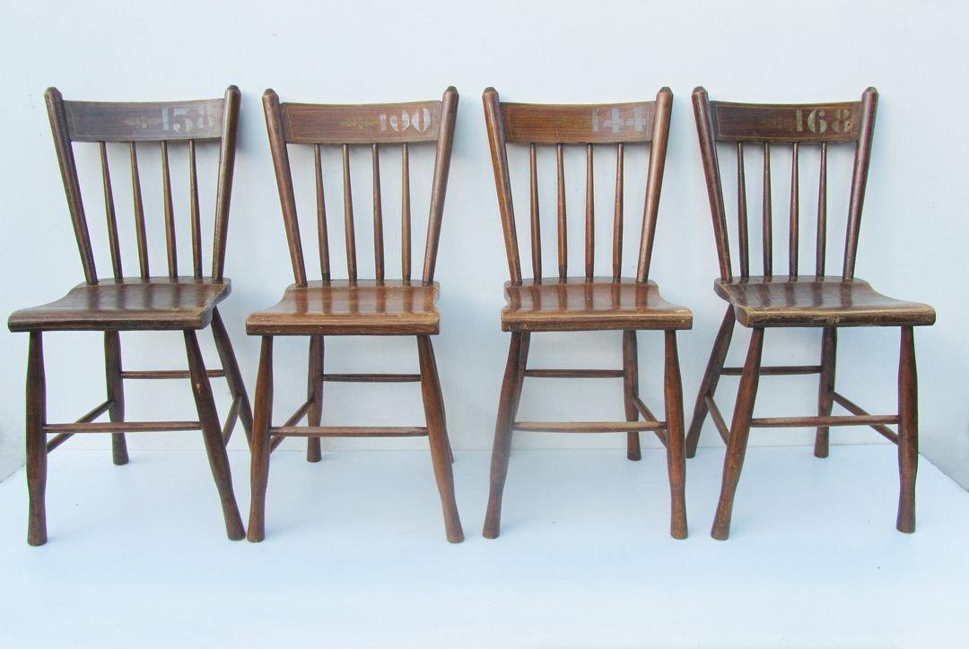 Vintage Stühle niederländische vintage bauernhaus stühle 4er set bei pamono kaufen
